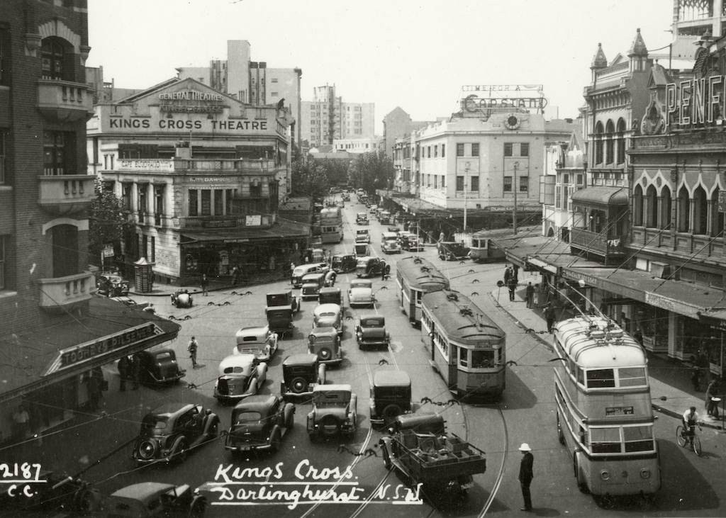 TRAMS & TROLLEY BUS-Kings Cross c.1938  RAHS