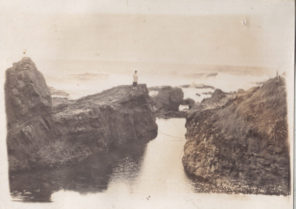 Chain baths, Wollongong undated [RAHS Photograph Collection]