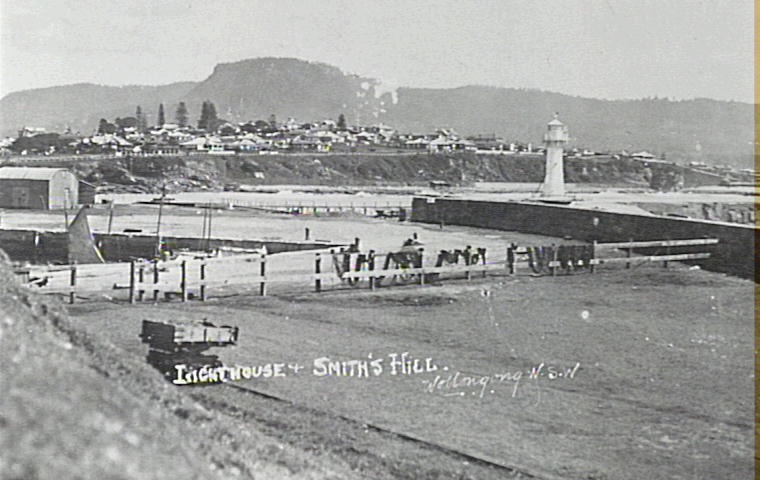 Lighthouse and Smith's Hill Wollongong, 1920 [RAHS Photograph Collection]