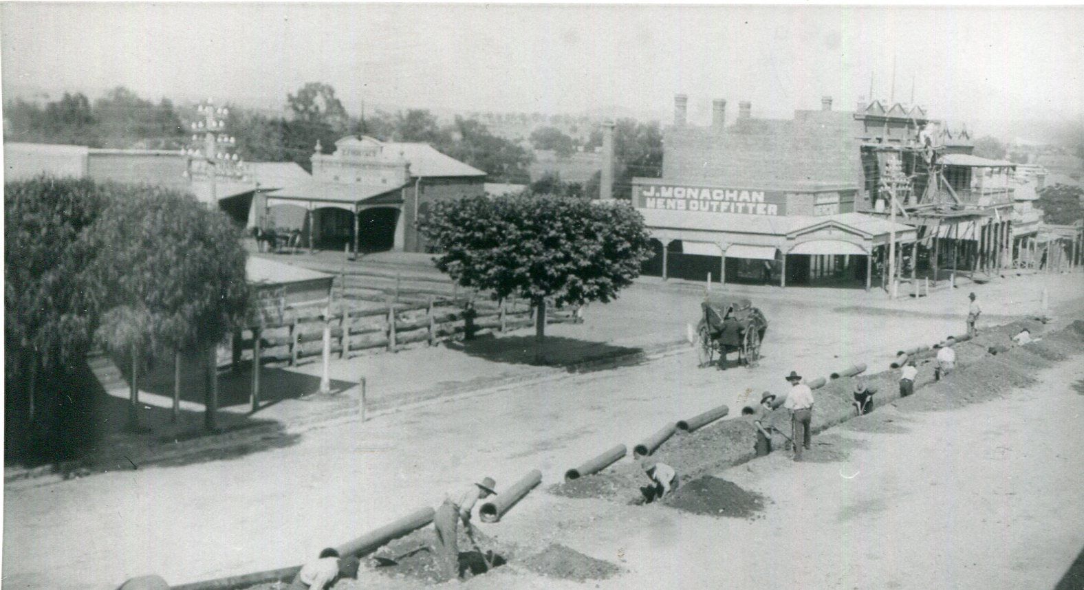 Water Pipes Being Laid, Kendal St, Cowra undated