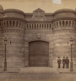Entrance to Darlinghurst Gaol, 1887 [Image courtesy State Library of New South Wales, FL1231374]