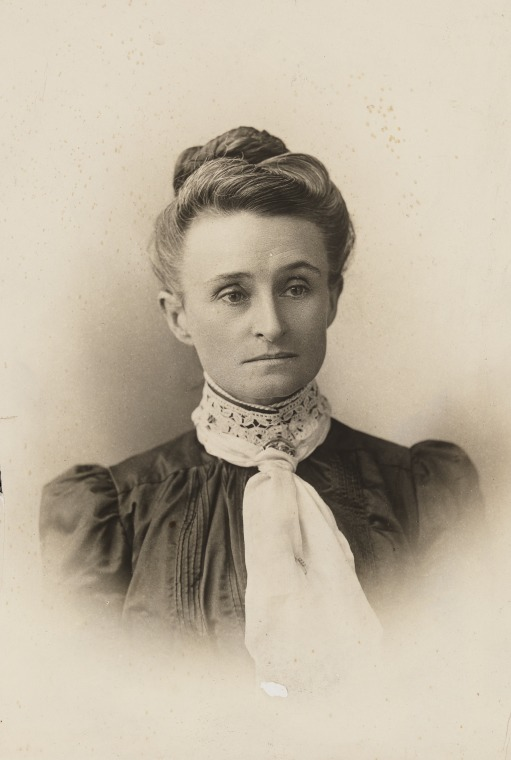 Edith Cowan, ca.1895-1900. [Image courtesy of the State Library of Western Australia, BA2843/29]