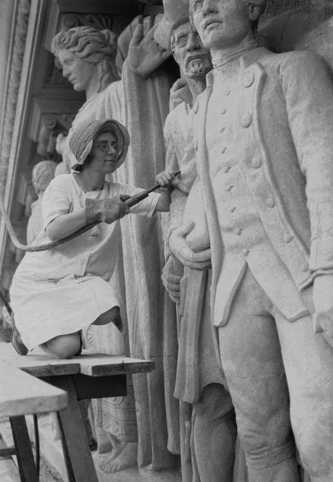 Daphne Mayo working on the Brisbane City Hall tympanum, c. 1930 [Image courtesy University of Queensland Fryer Library, UQFL119]